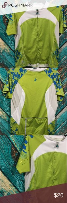 Hincapie Cycling Jersey Women's Large Hincapie cycling jersey women's large green, zip front, short sleeve, pockets in back 92% polyester & 8% spandex Gently used. No holes or stains. under arm to under arm 19 inches length in front 22 inches length in back 25 inches Hincapie Tops