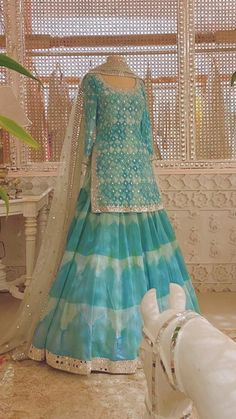 Indian Fashion Dresses, Pakistani Dresses Casual, Indian Gowns Dresses, Dress Indian Style, Pakistani Bridal Dresses, Pakistani Dress Design, Indian Designer Outfits, Party Wear Indian Dresses, Desi Wedding Dresses