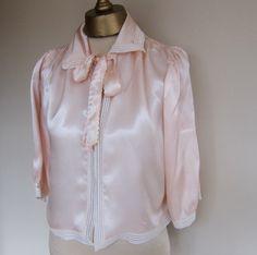 1940s bedjacket pale peach pink sateen