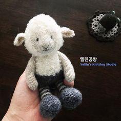 _ 조만간 예쁜 원피스 만들어줄께 . . #littlelamb #littlecottonrabbits - 옐린공방 Yellin's Knitting Studio - #knit #knitting #knittingdoll #knitstagram #instaknit #craft #instahandmade #handmade #crochet #yellin_knitting_studio #yellinclass #손뜨개 #대바늘 #손뜨개인형 #옐린공방 #건대공방 #건대손뜨개수업 #핸드메이드인형 #뜨개질 #코바늘 #코바늘소품 #코바늘인형 #손뜨개수업 #손뜨개강좌 #태교수업 #애착인형