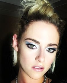 "QueenStew. on Twitter: ""Kristen's Met Gala selfies slay everything 😍https://t.co/ohVtc7vWZg"""