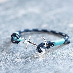 Collection Tom Hope, des bracelets pour homme et femme, de 39€ à 55€ à découvrir en magasin