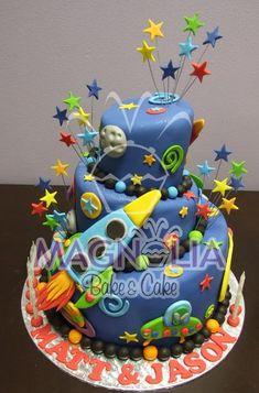 wonky space cake estrellas por encima, atraas de la vela