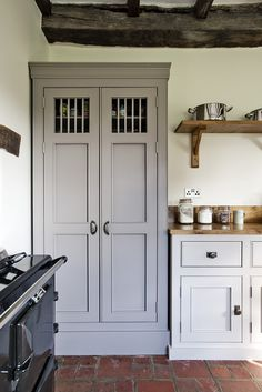 Browse photos of Freestanding Kitchen Cabinets Ideas. Find ideas and inspiration to add to your own home. See more ideas about Standing kitchen and Kitchen pantry cupboard. Kitchen Larder, Larder Cupboard, Kitchen Pantry Cabinets, Kitchen Cupboard Doors, Cupboard Shelves, Space Kitchen, Pantry Doors, Kitchen Storage, Pantry Cabinet Free Standing