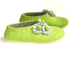 d8d90389b5244 123 Best slippers images in 2015   Womens slippers, High heel, Knit ...