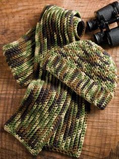 Man's Camo Hat & Scarf Crochet Pattern - Crochet a warm hat and scarf for the hunter in your family with this free crochet pattern. Designed by Glenda Winkleman free pdf from free-crochet.com
