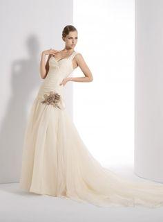 ¡Nuevo vestido publicado!  FRANCIS MONTESINOS mod. LUCIA ¡por sólo 500€! ¡Ahorra un 74%!   http://www.weddalia.com/es/tienda-vender-vestido-novia/francis-montesinos-mod-lucia-3/ #VestidosDeNovia vía www.weddalia.com/es