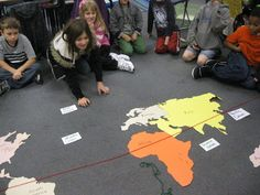 Third Grade Thinkers: Where in the World? This would have been awesome to do with my third graders last semester 3rd Grade Social Studies, Third Grade Science, Social Studies Classroom, Social Studies Activities, Teaching Social Studies, Student Teaching, Teaching Science, Science Lessons, Teaching Ideas