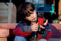 3-D Printing Prosthetic Hands That Are Anything but Ordinary - The New York Times