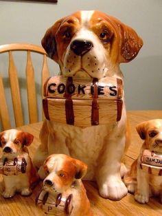 Cookie jar, salt & pepper shakers, jam jar, how great Dog Cookies, Biscuit Cookies, Cute Cookies, Antique Cookie Jars, Ceramic Cookie Jar, Ceramic Jars, Kinds Of Cookies, Cookie Time, Jam Jar