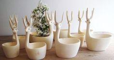 Hand Carved Copal Wood Deer Bowl Set. São de madeira, mas bem poderiam ser feitos em porcelana. Fofo!