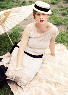 Google Image Result for http://wedding-pictures-02.onewed.com/18936/1920s-outdoor-wedding-ideas-vintage__full.jpg