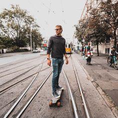 """8,212 kedvelés, 25 hozzászólás – H E N R Y K E T T N E R (@henrykettner) Instagram-hozzászólása: """"Ma én is villamos voltam egy kicsit 🚄🙄😄🚊 #fun #budapest #tram #board #electricboard #style #youtube…"""" Budapest, Coat, Youtube, Jackets, Instagram, Fashion, Down Jackets, Moda, Sewing Coat"""