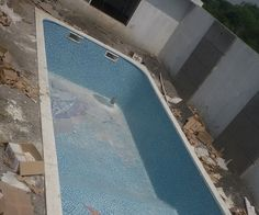 Glass mosaic tiling in Swimming Pools