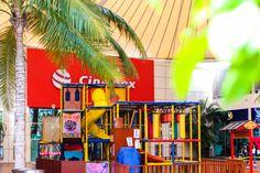 Mientras tu haces tus compras, deja que tus pequeños se diviertan en nuestra área infantil.
