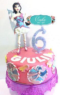 #pescara #cakemeup #pastadizucchero #decorazione #topper #cake #torta #compleanno #musa #winx