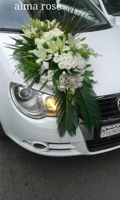 Beautiful Flower Arrangements, Floral Arrangements, Beautiful Flowers, Wedding Car Decorations, Flower Decorations, Christian Wedding Dress, Wedding Getaway Car, Turkish Wedding, Bridal Car