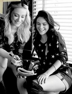 Camila Mendes and Lili Reinhart behind the scenes of their Bongo Jeans photoshoot.