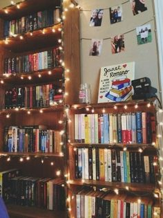 Would love to string fairy lights throughout my bookshelves, but with as many shelves I have, it might get a little expensive. Bookshelf Inspiration, Room Inspiration, Dream Library, Future Library, Home Libraries, Room Goals, Book Nooks, Reading Nooks, Reading Lights