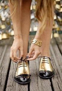 Scarpe stringate con oro