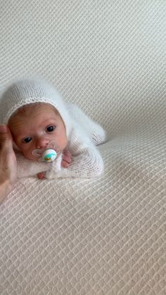 Preemie 2 month old baby boy pictures photography session white. Behind the scenes newborn studio naissance part naissance bebe faire part felicitation baby boy clothes girl tips Baby Boy Pictures, Newborn Pictures, Baby Images, Baby Boy Pics, Twin Baby Boys, Cute Baby Photos, Cute Baby Boy, Baby Baby, 2 Month Old Baby