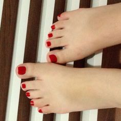 Anônimos & lindos.  #podolatria #pesfemininos #pezinhos #feetish #foot #feet #toes #nails #soles #pé #dedos #unhas #solas #fetiche #podolatra #footfetishnation #podo #footfetish #fetiche #footworship #footmodel #instafeet #nailspolish #perfectfeet #brazilianfeet #femalefeet #feetlovers #pies #pieds #pés by feetish36