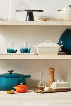 Explore Le Creuset color palettes and color pairing ideas, featuring Deep Teal. Le Creuset Cast Iron, Cast Iron Cookware, Le Creuset Colors, Kitchen Decor, Kitchen Design, Color Pairing, Kitchen Products, Deep Teal, Better Homes