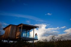 Getting married with a backdrop of clouds, TTE creates such an incredible atmosphere!