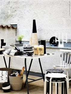 Kreativ svart-vit miljö från Ikeas blogg www.livethemma.ikea.se.