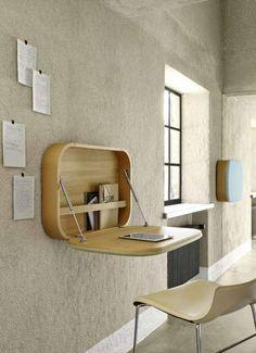 I et med væggen Nubo er indbegrebet af alt-i-en. Dette vintageinspirerede vægophæng designet af den dansk-italienske designduo GamFratesi er på en og samme tid skrivebord, opslagstavle og tilbyder derfor optimal pladsbesparelse.