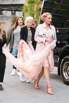 Blake Lively leaving her hotel in New York - May 02
