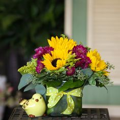 So sweet for an end-of-summer birthday, anniversary, or housewarming gift!