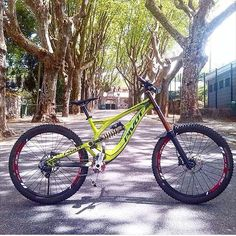 Hot or Not . Bike from @yaio . #MTB#downhill#pivot#marzocchi#fox#bike#awesome#follow