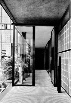 Pierre Chareau's Maison de Verre—31 Rue Saint-Guillaume