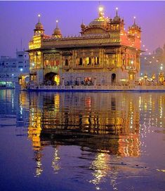 - Deep inside you Waheguru is patiently waiting to be found. Close your eyes and Search for the Truth. --caption & pic from ™ Beautiful Places To Visit, Places To See, Baba Deep Singh Ji, Guru Nanak Wallpaper, Guru Nanak Ji, Guru Nanak Jayanti, Harmandir Sahib, Hindu Worship, Sri Guru Granth Sahib