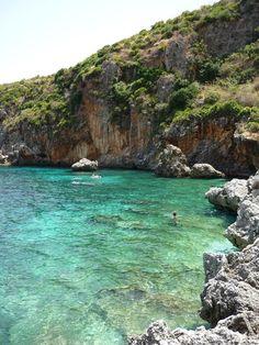 Thailandia? Seychelles? NO! Riserva dello Zingaro #Sicilia, @Francesco Paladino @Francesco @tripiteasy.it.it via Twitter