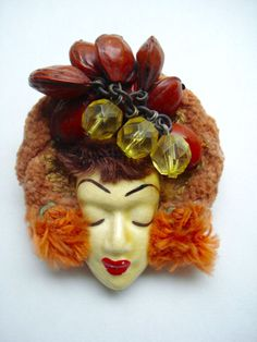 "VINTAGE ELZAC LADYHEAD ""VICITM OF FASHION"" BROOCH circa WWII 