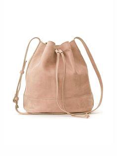 e01084b09d6a70 88 meilleures images du tableau Sacs   Bags, Backpacks et Leather