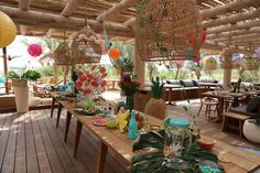 Hawaiian kids birthday decoration & entertainment for a kids birthday on the French Riviera Courchevel 1850, Kids Events, French Riviera, Bar Mitzvah, Birthday Decorations, Hawaiian, Fair Grounds, Entertainment, Party