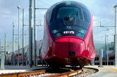 Trem estilo Ferrari é lançado na Itália