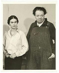 Frida Kahlo and Diego Rivera, ca. unidentified photographer (Albert Kahn papers, Archives of American Art, Smithsonian Institution) Frida E Diego, Frida Art, Frida Kahlo Artwork, Natalie Clifford Barney, Kahlo Paintings, Mexican Artists, Famous Artists, American Art, Les Oeuvres