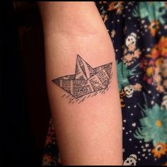 boat by Victor Montaghini, Sao Paulo, Brazil | origami tattoos