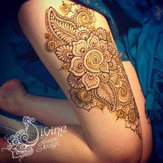 thigh henna with henna paste