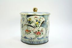 Vintage Daher English Tea tin-blue & cream