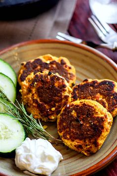HealthyVegetable Packed Paleo Salmon Cakes! Super easy, super simple, super delicious! These Paleo salmon cakes take little time. Salmon Cakes thatare literally veggie packed and protein packed! Just butternut squash, herbs, egg, salmon, and spices! No wasting leftovers here, just mix and throw on a skillet. Great for a healthy meal, snacks, party appetizers, and are freezer friendly.