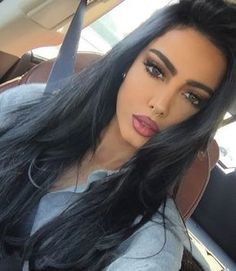 A good hair day Most Beautiful Faces, Beautiful Eyes, Beauty Makeup, Hair Makeup, Hair Beauty, Eyebrow Makeup, Ivana Santacruz, Straight Eyebrows, Arabic Makeup