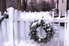 Dec-1   snowy picket fence wirt evergreen wreath