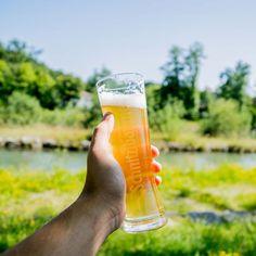 Gutes Wetter, gute Laune, gutes Bier. Einen schönen Tag euch allen! 😎 #wochenende #samstag #gutelaune #mühlbach #traunstein #schnitzlbaumer #schnitzei #heimatbrauer #ausliebezumbier #bierliebe #bayerischesbier #bayern #bavarianbeer #heimatbrauer #traunstein #chiemsee #chiemgau #rosenheim #salzburg #bavaria #heimatbrauer #brewery #brewer #beer #beerblog #bier #beertography #beersofinstagram #brauer Salzburg, Mugs, Instagram, Tableware, Brewery, Good Day, Good Mood, Weather, Bavaria