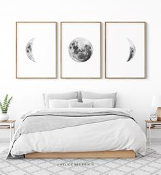 Set of three black and white lunar phases prints. Set of 3 moon phase wall art. Monochromatic Set of three black and white lunar phases prints. Set of 3 moon phase wall art. Monochromatic Wandkunst Design […] and white wall art Modern Bedroom, Master Bedroom, Scandinavian Style Bedroom, Scandi Bedroom, Cosy Bedroom, Clean Bedroom, Bedroom Furniture, Bedroom Decor, Artwork For Bedroom