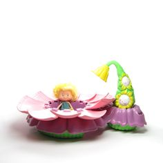 Herself the Elf Flower Shower Play Set with Doll, Bathtub, Water Squirter